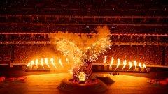 Митичната азербайджанска птица Симург бе един от историческите моменти, преплетени с модерните фойерверки по време на церемонията по закриването на първите Европейски игри.