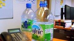 Две бутилки на бюрото ми в офиса