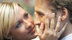 Моногамните отношения осигуряват безопасност и изграждат по-дълбоко доверие...