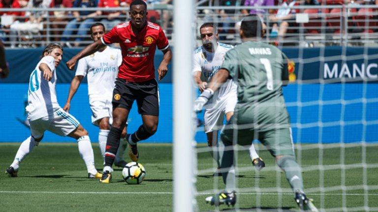 3. Антони Марсиал трябва да е по-постоянен  Антони Марсиал причини нещо рядко виждано на защитата на Реал. 21-годишният французин пое топката на крилото, след това се разходи между трима играчи в бяло, а с подаването си за гола на Джеси Лингард елиминира още трима, включително и Кейлор Навас.   Всички знаем, че Марсиал е способен на подобни неща. Проблемът е, че са рядкост. Ако французинът бе по-постоянен, слуховете за привличането на Иван Перишич от Интер изобщо нямаше да съществуват.