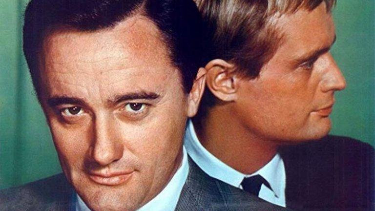 """The Man from U.N.C.L.E.  Може би успехът на """"Мисията: Невъзможна"""" е причината Холивуд да се опитва да направи игрален филм от почти всеки шпионски сериал от 60-те и 70-те години. Като например The Man from U.N.C.L.E. - подобно шоу от 1964-1968 г., в което двама тайни агенти - американец и руснак, трябва да преодолеят различията си, за да изпълнят поставените им задачи. Популярността на сериала е толкова голяма, че продуцентите разширяват няколко от епизодите и ги превръщат във филми, а през 1983 г. екипът се събира и за филмово продължение, излъчено само на малък екран."""