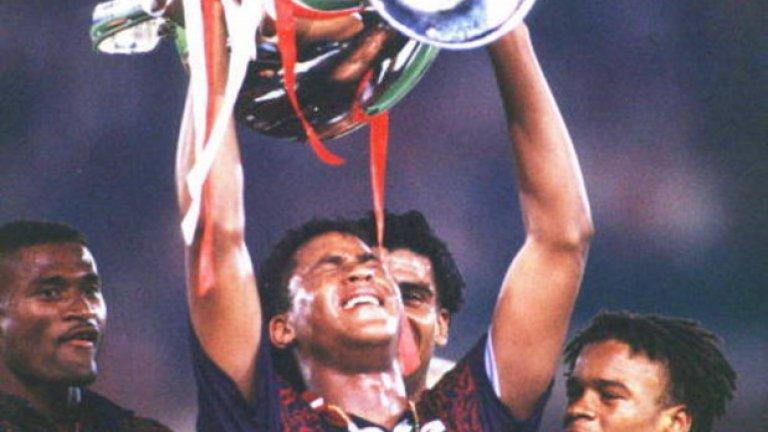 """Патрик Клуйверт Авторът на победното попадение на финала през 1995-а във Виена не успя да впечатли с изявите си с екипа на Милан, след като подписа с """"росонерите"""" през 1997-а. Върна формата си в Барселона, където наниза 90 гола в 181 мача. Изкара не чак толкова плодотворни периоди в Нюкасъл, Валенсия, ПСВ и Лил след това, преди да сложи край на кариерата си през 2004 г. Клуйверт, който стана помощник треньор на националния отбор на Холандия при Луис ван Гаал и продължава да работи при Дани Блинд, има 40 попадения в 79 мача за """"лалетата"""" - рекорд, който само преди няколко месеца бе подобрен от Робин ван Перси."""