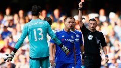 Тибо Куртоа бе изгонен още в началото на сезона. Челси тръгна с равенство защитата на титлата. В следващия кръг гостува на Манчестър Сити...