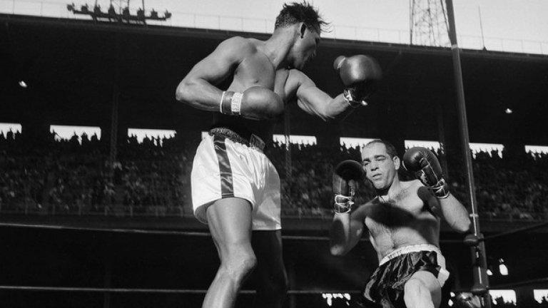 1. Шугър Рей Робинсън. Кариерата му на ринга продължава 25 години. Световен шампион в полутежка категория от 1946 до 1951 г., в средна (1951-52, 1957-58 и отново през 1960 г.). Невероятен техничар, огромен арсенал от удари, като притежава една от най-мощните левачки в историята. Постижение: 200 боя, 173 победи, 108 нокаута, 19 загуби, 6 ремита.