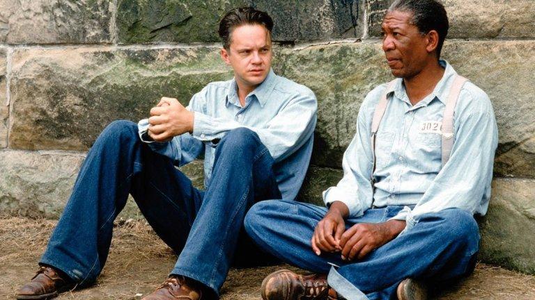 """The Shawshank Redemtion/ Изкуплението Шоушенк - Франк Дарабонт   Адаптацията на Дарабонт, който стои зад режисурата и сценария на филма, е базирана на повестта на Стивън Кинг - """"Рита Хейуърт и изкуплението в Шоушенк"""".   Въпреки че филмът не става боксофис хит, отчасти заради конкуренцията с """"Форест Гъмп"""" и """"Криминале"""", които също излизат през 1994-а, той е определян като един от най-добрите за всички времена. Морган Фрийман, който играе ролята на Ред, казва, че това е любимата му роля за всички времена. Това е достатъчно показателно за качествата на """"Изкуплението Шоушенк""""."""