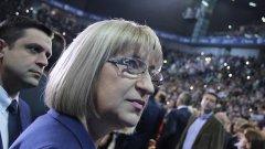 Цецка Цачева се жертва за партията като оставката й дойде не заради проблемите в правосъдието, а заради евтини жилища. Сега остава да разберем какъв ще е следващият й пост.