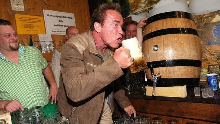 """Дегустация на бира отново на """"Октоберфест"""" в Мюнхен, Германия. Снимката е направена на 24 септември, 2015 година."""