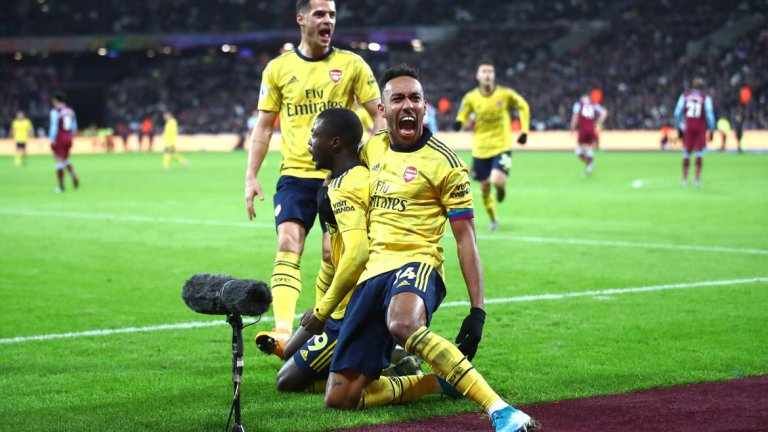 За 9 минути през втората част Арсенал отбеляза головете си и обърна мача
