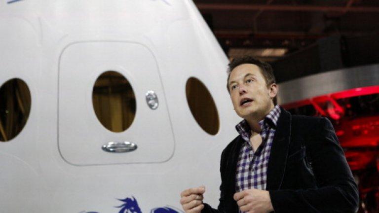 Собственикът на SpaceX е 43-годишният Илон Мъск - един от създателите на PayPal и главен продуктов архитект на Tesla Motors