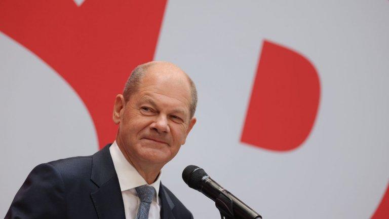 Социалдемократите, водени от финансовия министър Олаф Шолц, по предварителни данни са първа политическа сила, но тепърва започват тежките преговори за коалиция.
