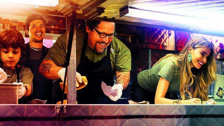 """""""Майстор-готвач"""" (Chef) И от изисканата кухня към """"уличната храна"""". Режисьорът на """"Железният човек"""" – Джон Фавро – тук влиза в главната роля и се превъплъщава в Карл Каспър. След звучен провал в Лос Анджелис талантливият готвач се завръща в Маями, където отваря камион за бърза храна. Така постепенно хотдозите и бургерите, които Карл приготвя, пленяват все повече и повече от посетителите му. Фавро си има впечатляваща компания на екрана – Дъстин Хофман, Скарлет Йохансон, Робърт Дауни Джуниър, София Вергара и Оливър Плат."""
