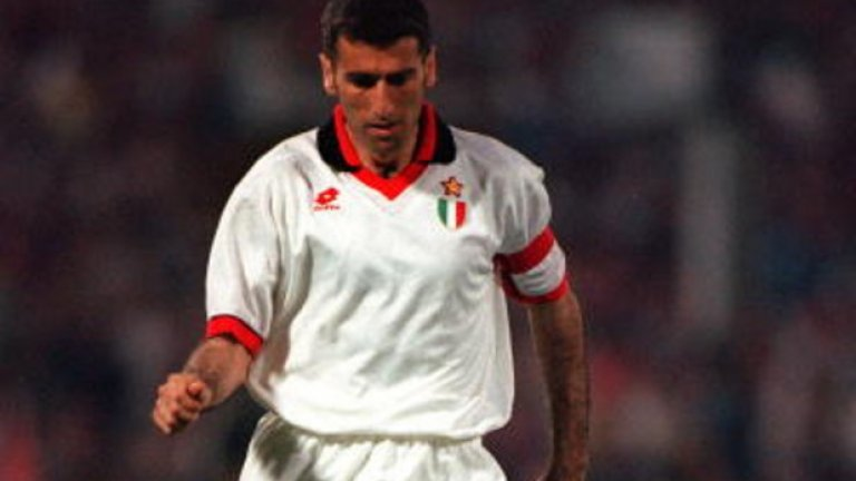 14. Мауро Тасоти (1980-1997, 10 гола в 583 мача)