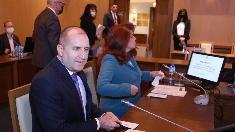 По думите на президента българите вече излизат от хипнозата след насажданата паника и търсят отговори на въпроса какво действително се случи по време на кризата с COVID-19