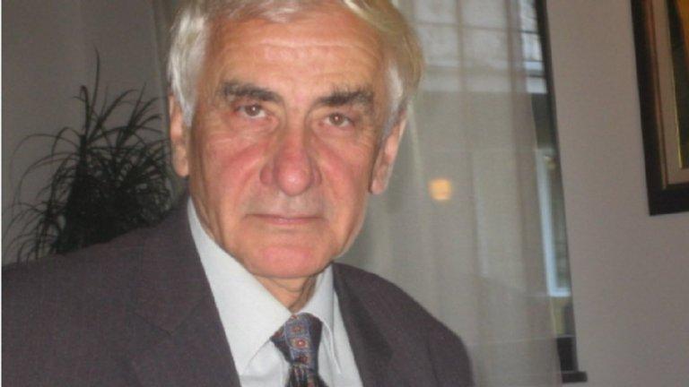 Той беше член и на Централния комитет на БКП и делегат на 48-ия Конгрес на БСП