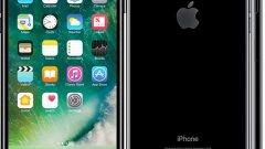 iPhone 7 Plus  Първото устройство на Apple с двойна камера се появи през септември 2016 г. - iPhone 7 Plus има 12-мегапикселова камера с iSight сензор, бленда f/1.8, оптична стабилизация, автофокус с фазова детекция, quad-LED светкавица и втора телескопична леща с 2х оптичен зуум.   Устройството е с 5,5-инчов full HD екран, 3D Touch система и се захранва от 4-ядрения процесор на Apple A10 Fusion. Има три варианта на модела в зависимост от вградената памет - 32, 128 и 256 GB. iPhone 7 Plus идва със 7-мегапикселова селфи камера, скенер за пръстов отпечатък, стерео тонколони и защита от проникване на вода и прах със сертификат IP67.