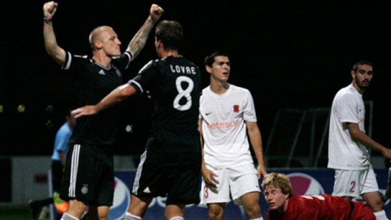 Иван Иванов класира снощи с гола си Партизан за груповата фаза, а там шампионите на Сърбия ще срещнат самия Интер