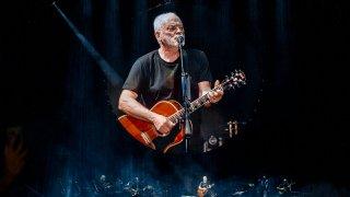 Музикални хроники: Дейвид Гилмор е взет временно в Pink Floyd по заместване , но това не е случайност, а съдба