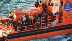 В последите 10 дни има бум на нелегалните лодки, отчитат от бреговата охрана в ЕС. Дестинациите са основно Италия, след това Гърция. Италианските разследващи в Палермо съобщиха, че на брега в Либия има около 1 милион души, които са се насочили към Европа и очакват шанс да потеглят, въпреки опасностите