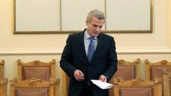 Петър Москов обеща през следващата година средните заплати в спешната помощ да се увеличат с 20 процента
