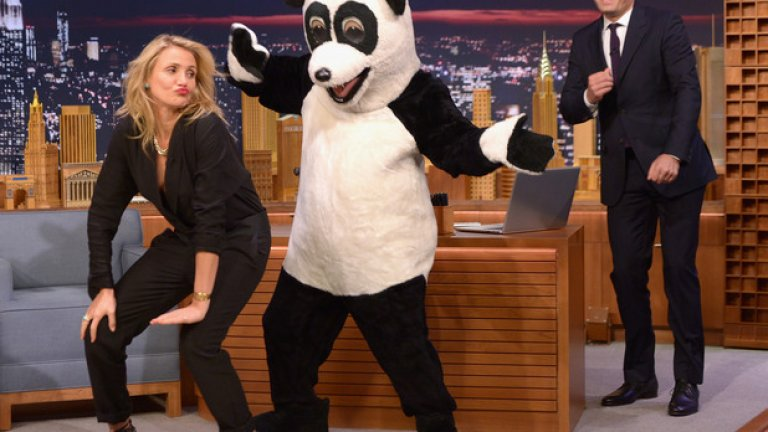 Мръсни танци с панда и Камерън Диас в студиото