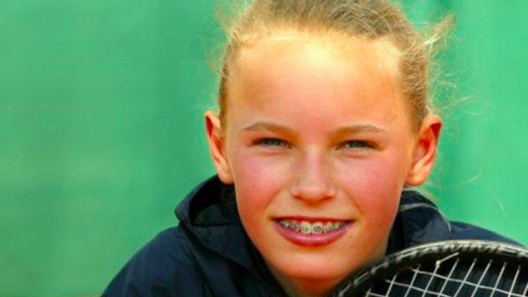 Как изглеждаха Курникова и Шарапова, когато бяха на 16 (видео)