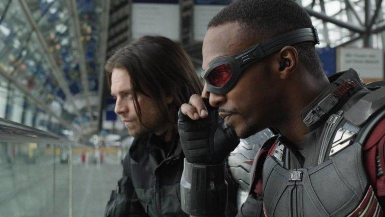 """Falcon and The Winter Soldier  Двамата верни партньори на Капитан Америка обединяват сили в нов сериал по комиксите на Marvel. The Falcon (Антъни Маки) е бивш военен, който борави със специална технология - механични криле, които му позволяват контролиран полет. The Winter Soldier всъщност е Бъки Барнс (Себастиан Стан) - най-добрият приятел на Капитан Америка, който в продължение на години е с промит мозък и изпълнява мръсни поръчки, преди да се върне отново в правия път.  Тънкият момент в този супергеройски сериал е, че и двамата персонажи станаха жертва на прословутото щракане с пръсти на Танос в """"Avengers: Infinity War"""", т.е. предстои да видим кога ще се развива действието и как точно те ще се окажат отново живи и в комбина."""