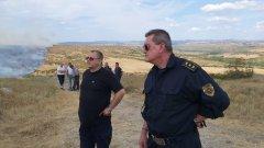 """10 селскостопански постройки и животни изгоряха и в свиленградския квартал """"Гебран"""". Огънят там тръгна от сметище и вече има задържан - мъж, който е запалил сухи треви"""