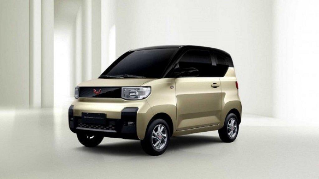 Hongguang MiniРазработката на този мини електромобил е финансирана от General Motors, които целят да създадат кола, предназначена изключително за китайския пазар. Hongguang Mini струва едва 3200 евро, вдига до максимум 100 км/ч и вече изпреварва Tesla по продажби. Дизайнът обаче е съвсем отделен въпрос…