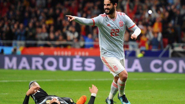 Меси беше принуден да гледа от трибуните как Иско вкарва гол след гол, а Испания се подиграва с Аржентина