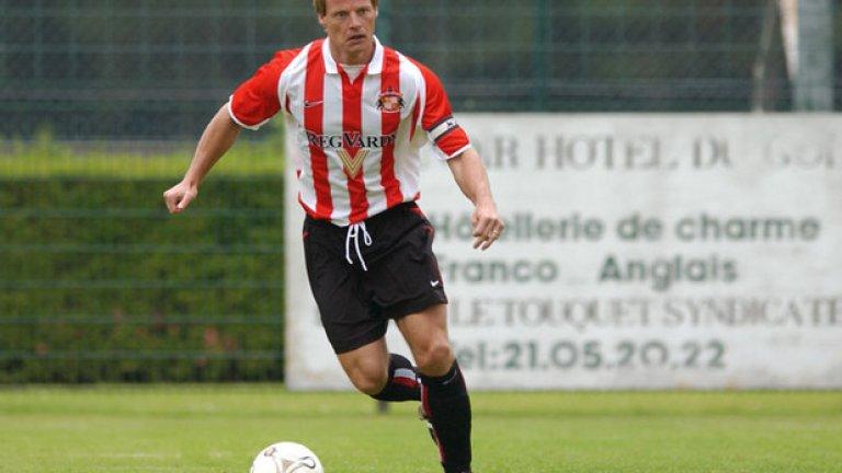 Стефан Шварц  След престоя си в Арсенал шведът игра за Фиорентина и Валенсия, после се върна в Англия с екипа на Съндърланд и вкара на Арсенал през 2001 г. Пенсионира се две години по-късно и следите му се губят.