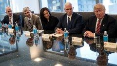 Само преди два месеца Тръмп и вицепрезидентът му Майк Пенс седяха на една маса с топ-мениджърите от Силициевата долина - Джеф Безос, Лари Пейдж, Шерил Сандбърг, и др. Днес те се обединиха в общ призив за отмяна на един от първите му укази.