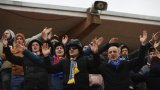 Беларус не забрани на феновете да посещават мачовете, но това може да се промени.
