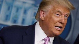 Републиканецът се опитва да принуди наследника си да се придържа към неговата политика. Или поне в онези аспекти, където може да направи необратими промени.