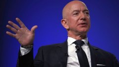 Най-много пари е загубиш шефът на Amazon Джеф Безос - почти 8 млрд. долара