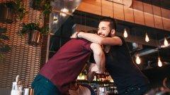 Чумата например е прекратила за известно време френското целуване по бузите