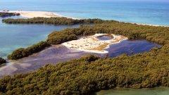Бу Тинах като остров е едно от недотам познатите чудеса на света - и донякъде причината за това е, че  е защитен.