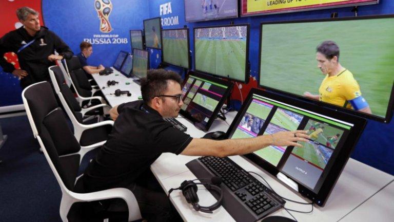 Да, бъдещето на футбола е с технологиите, но едва когато изкуственият интелект може да изземе изцяло функциите на реферите.