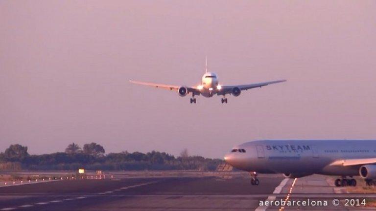 Как два самолета едва не се сблъскаха