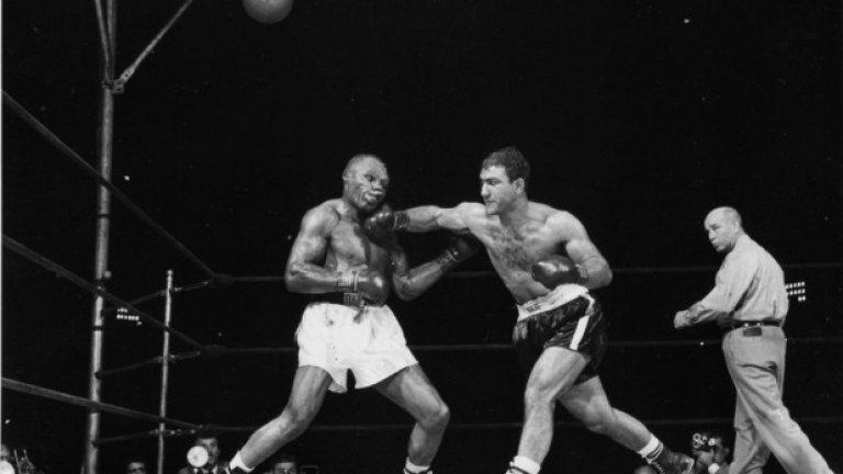 През 50-те властва Роки Марчиано.