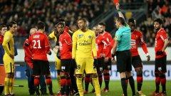 Килиан Мбапе получи първия червен картон в кариерата си