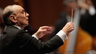 Изпращаме великия филмов композитор с неговата музика, която ще живее завинаги