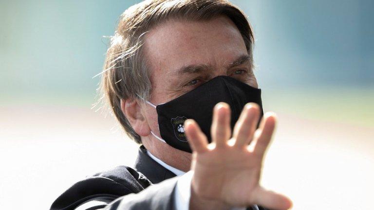 Той наричаше коронавирусът лек грип и демонстративно отказваше да носи маска