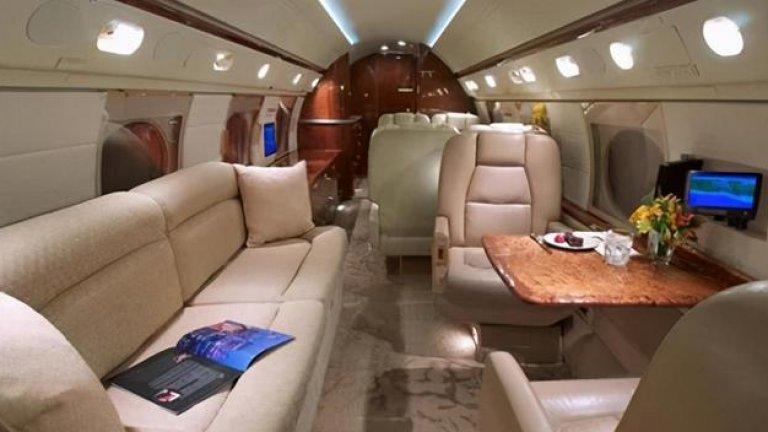 В самолета на Меси: Снимки отвътре на суперлуксозния Gulfstream V