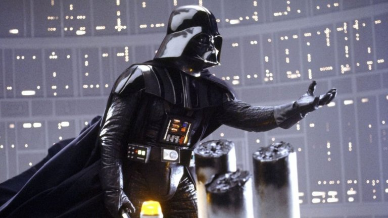 Актьорът години наред пази тайни около филмите от поредицата, включително и ключовата сцена между неговия герой Люк Скайуокър и Дарт Вейдър (на снимката)