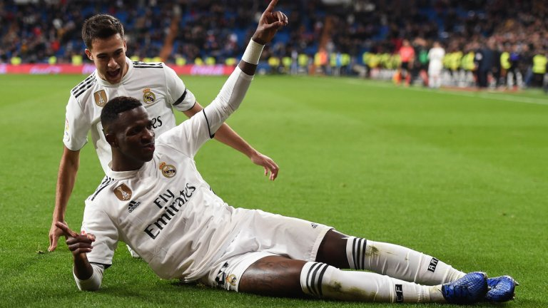 6. Винисиус Жуниор  От Фламенго в Реал Мадрид (2018) - 38.7 млн. паунда  Миналият сезон на сътресения и провали в Реал не беше идеалният момент, в който крилото да заблести. Само на 18, Винисиус беше налаган в Реал постепенно и показа както невероятен дрибъл, така и разочароващо завършващо отиграване при атаките. Новият сезон обаче е голям шанс за него и под ръководството на Зинедин Зидан бразилецът може да се превърне в основен играч за доста години напред.