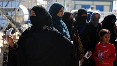 ИД вече няма територия, но продължава да има верни жени, които да водят идеологически борбата, възпитавайки следващото поколение джихадисти