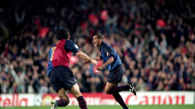 """Ривалдо (1997-2002) Един от най-талантливите футболисти на своето поколение. Той е световен шампион с Бразилия през 2002 г. и един от най-емблематичните футболисти на Барса. Носител е на """"Златната топка"""" на Европа и е избран за Футболист №1 в света за 1999 г."""