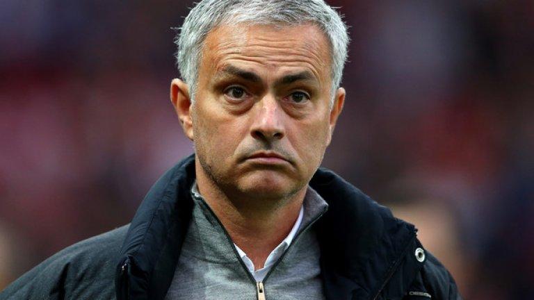 Жозе Моуриньо отново гледашеневярващо, когато Юнайтед записа шестото си равенство у дома във Висшата лига от началото на сезона...