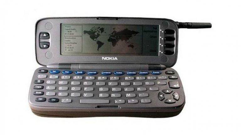 7. Практичността Тежък бизнес телефон, който можеш да... използваш при случай на силен вятър, за да задържи парите на масата, ако си плащаш сметката в заведение.