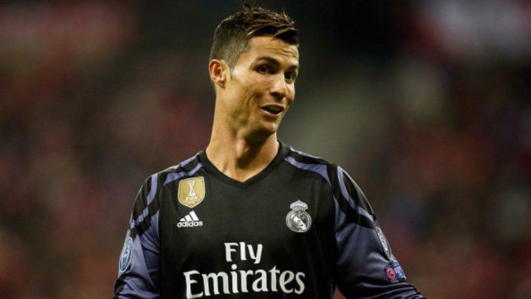 Ляво крило: Кристиано Роналдо, Реал Мадрид – 90 т.